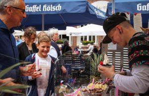 Das erste Street-Food-Festival in der Jülicher Innenstadt | Fotos: Dorothée Schenk