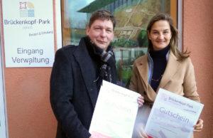 Landtagsabgeordnete Patricia Peill informierte sich über den Brückenkopf-Park. Foto: privat