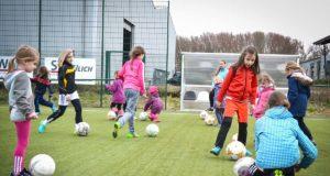 Herausragend ist die Kinder- und Jugendarbeit bei der Viktoria Koslar, die sich außerdem für den Mädchenfußball stark macht. | Foto: Britta Sylvester