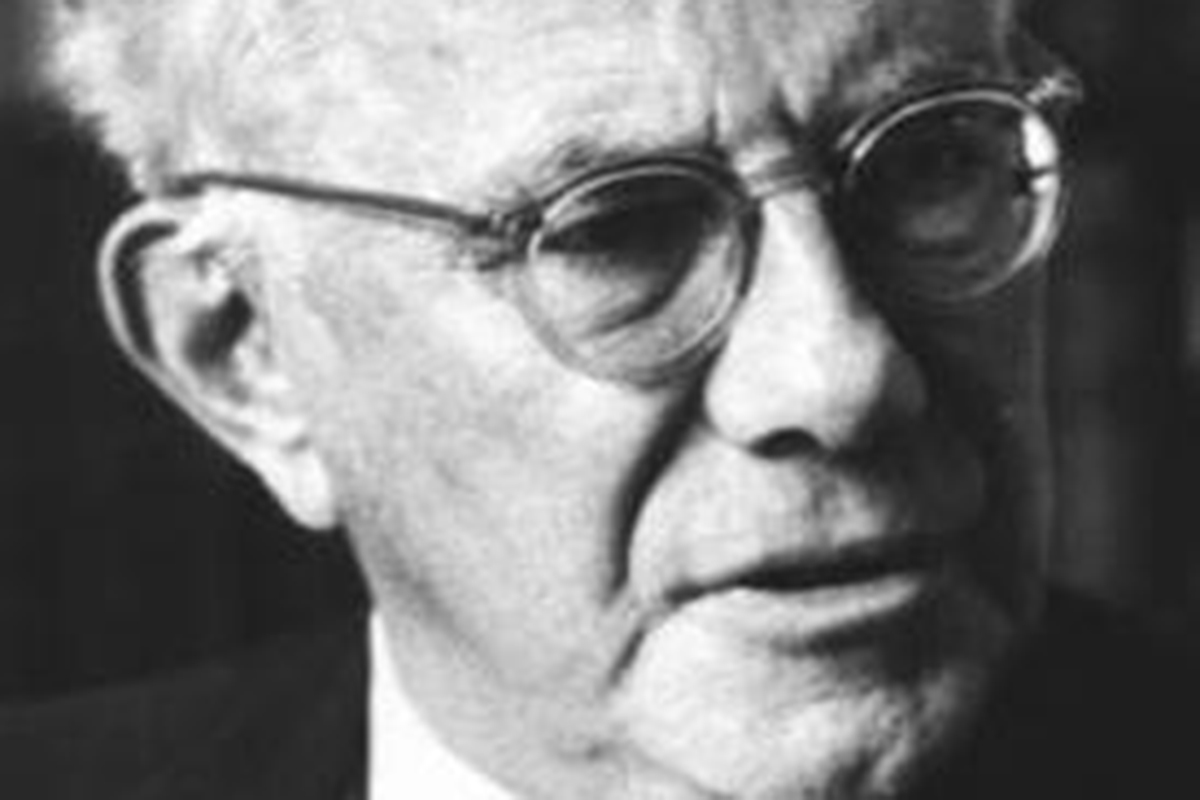 paul tillich essays Abstract : in this essay i compare bonhoeffer's and tillich's perspectives on   at first glance, the german-american theologian paul tillich (1886-1965) and.