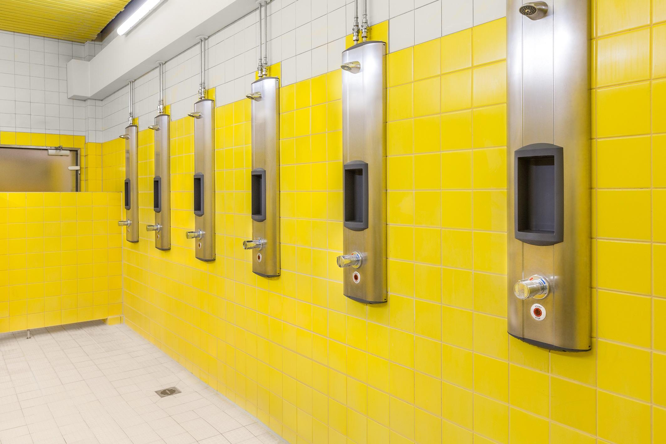 Neue Duschen Im Hallenbad Herzog Kultur Stadtmagazin