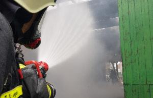 Über 12 Stunden im Einsatz. Warum die Scheune in Kirchberg in Brand geriet, ermittelt jetzt die Kripo. Foto: Freiwillige Feuerwehr Jülich