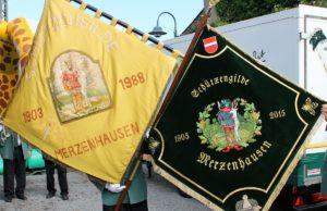 Die Fahnen der Schützengilde Merzenhausen. Foto: Verein