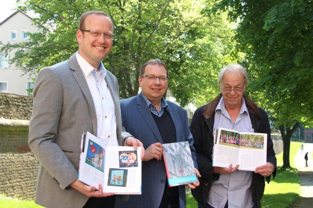 Gemeinschaftswerk von Herausgeber und Autor Simon Matzerath (v.l.n.r.), Autor Guido von Büren und Verleger Michael Kuhn: