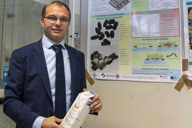 Dr. Jan Oberländer ist seit Beginn seines Bachelorstudiums am Campus Jülich. Foto: FH Aachen