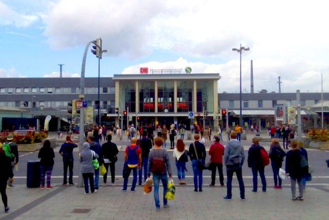 Mit etwa 130.000 Fahrgästen pro Tag gehört der Dortmunder Hauptbahnhof zu den größten deutschen Bahnhöfen. Foto: Forschungszentrum Jülich / Stefan Holl