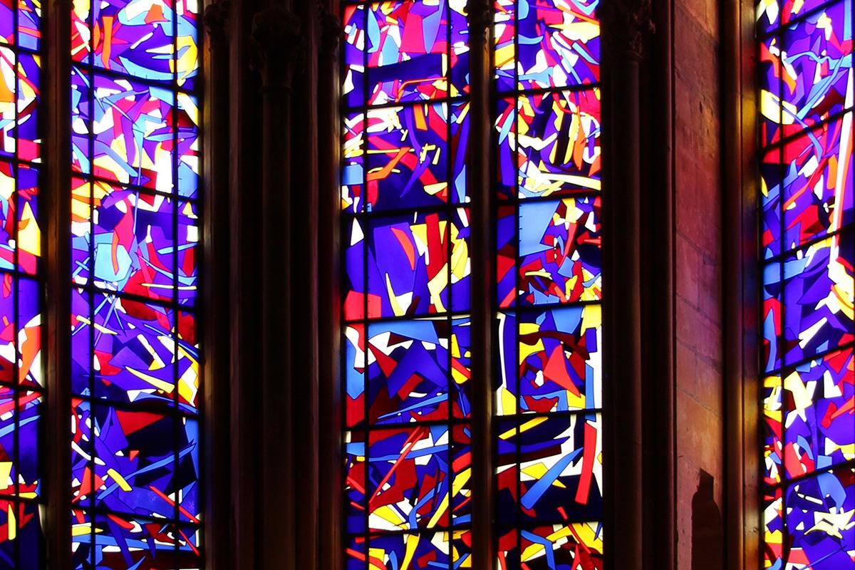Kapellenfenster von Imi Knoebel in der Kathedrale von Reims. Foto: Iris Nestler