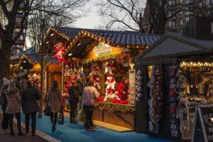 Weihnachtsmarkt auf dem Jülicher Schlossplatz