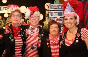 Die Frauen der kfd Broich wissen, wir man Karneval feiert. Fotos: Dorothée Schenk