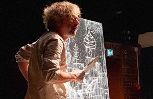 Joachim Torbahn zaubert Welten auf die Leinwand. Foto: René Blanche