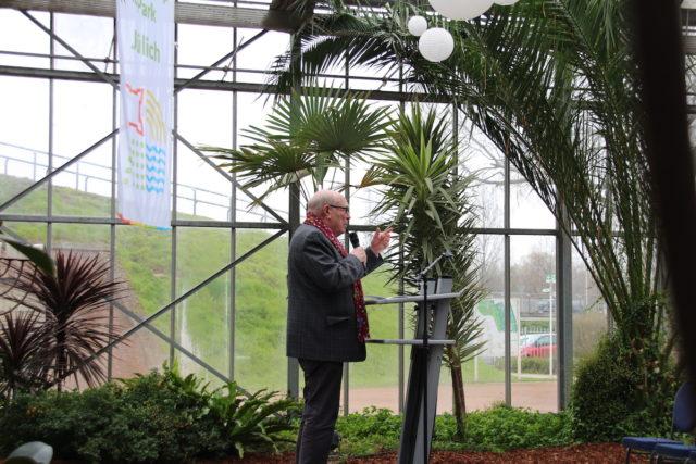 Dr. Peter Nieveler, Ansprache zu 20 Jahren Brückenkopf-Park. Foto: Dorothée Schenk