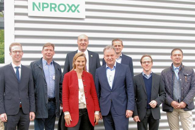 Hochkarätigen Unternehmensbesuch empfing die Jülcher Firma Nproxx. Foto: Tobias Gottwald